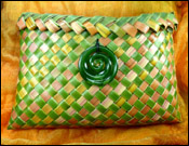 photo of kete with plaited top edge